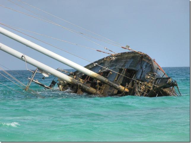 8368wrecked_ship